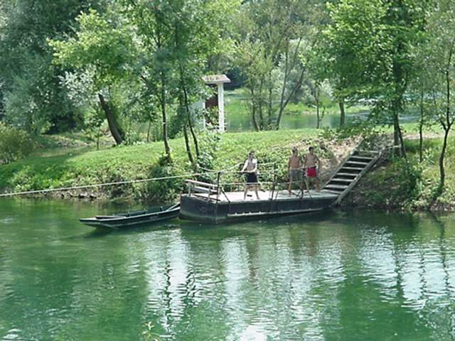 Rope Raft Bridge Otoka 2.JPG (65837 bytes)